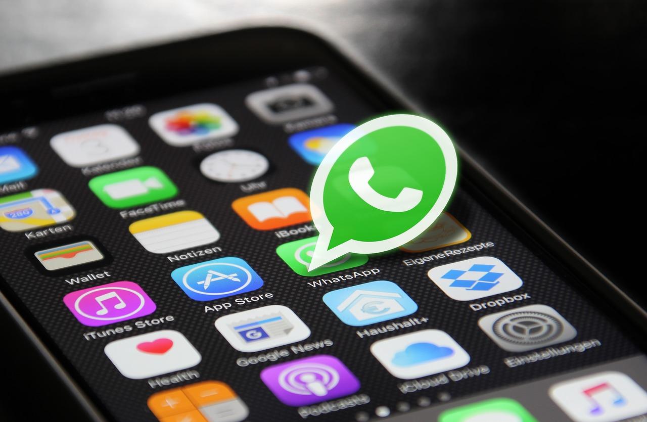 whatsapp 2105015 1280